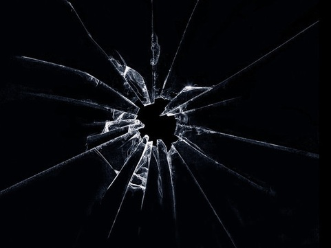 Shattered Glass Effect - Photoshop